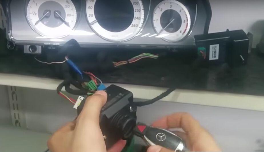 VVDI-MB-TOOL-install-W204-ELV-2