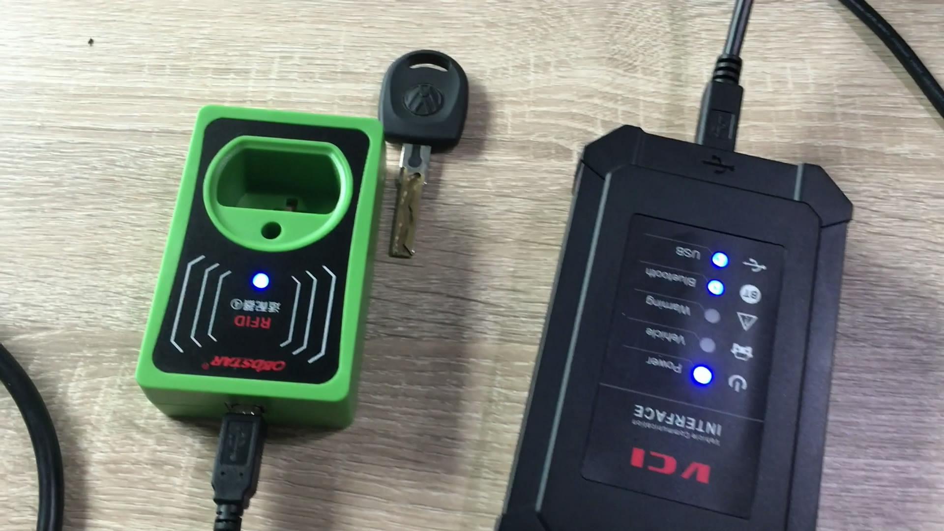 obdstar-rfid-adapter-to-program-key-on-4th-vw-02