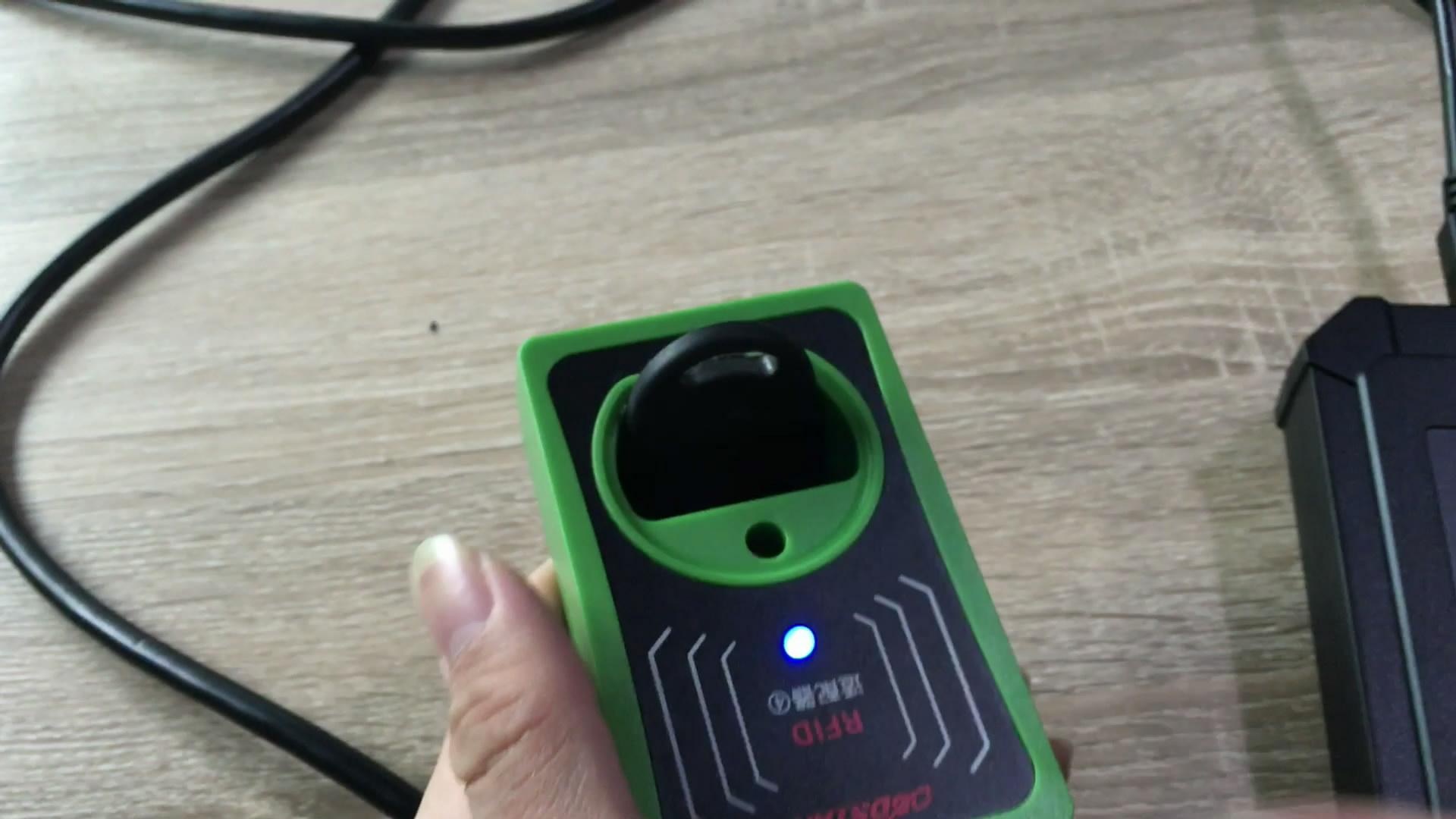 obdstar-rfid-adapter-to-program-key-on-4th-vw-18