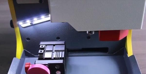 sec-e9-calibrate-single-sided-key-clamp-1