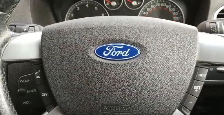 lonsdor-k518ise-key-programmer-2005-ford-focus-1