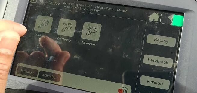 lonsdor-k518ise-key-programmer-2005-ford-focus-12
