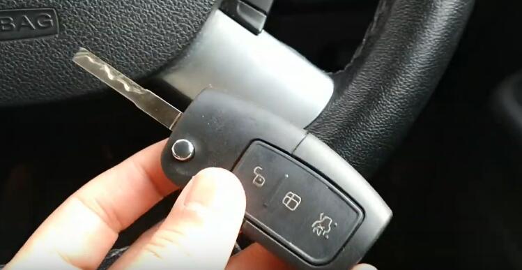 lonsdor-k518ise-key-programmer-2005-ford-focus-4