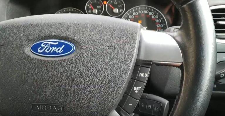 lonsdor-k518ise-key-programmer-2005-ford-focus-6