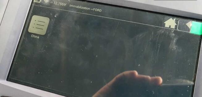 lonsdor-k518ise-key-programmer-2005-ford-focus-9
