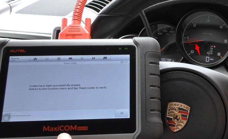 autel-mk808-intro+porsche-check-engine-light&airbag-light-reset-7